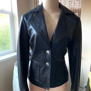 100% leather Crop Jacket 🖤